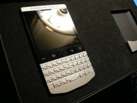 For Sale:Blackberry Gold Porsche Design P9981 With Arabic Keyboard..1800AED