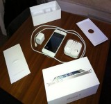 BUY 3 UNIT APPLE IPHONE 5 64GB AND GET 1 FREE FOR   JUST  $800USD