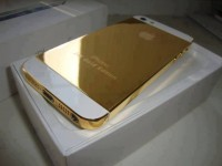 Ramadan offer:Apple iPhone 5 gold,Buy 2 get 1 free / BB CHAT: 21F88805