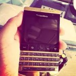 F/S::BLACKBERRY POURSHE GOLD WITH SPECIAL PIN(SKYPE::advisorylimited1)