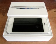 Offer (Buy 2 Get 1 free) : Brand New iPhone 5 16GB, 32GB And 64GB / Apple iPad 4