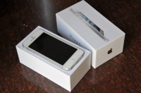 BUY 5+ 2 FREE APPLE IPHONE 5 32GB FOR $1500USD